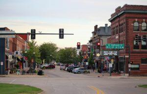 View looking up Main Street from 1st Street in Cedar Falls.